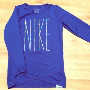 Nike soft stretchy 👚 6X